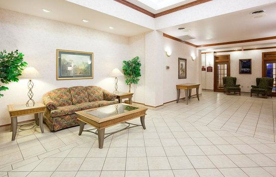 Holiday Inn Express Fort Atkinson: Hotel Lobby