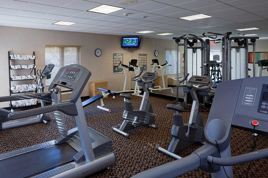 Holiday Inn Express & Suites Saginaw : 24 Hour Fitness Center