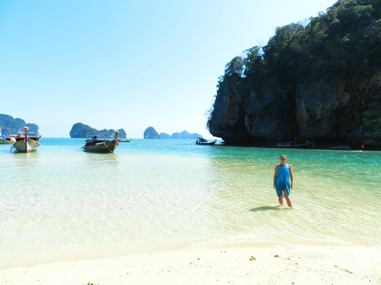 Andaman Camp and Day Cruise : remote beach we had lunch on