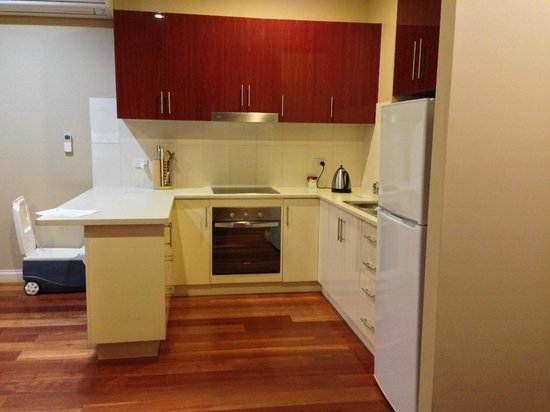 Whyalla Playford Apartments: Kitchen
