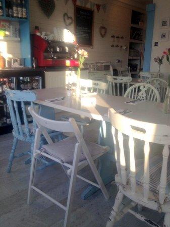 Salt Marsh Kitchen: Lovely ambiance for seaside bistro cafe