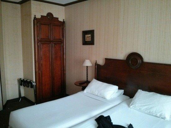 Villa Montparnasse : La chambre