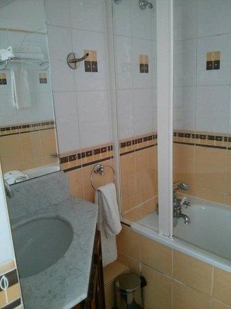 Villa Montparnasse : Salle de bain