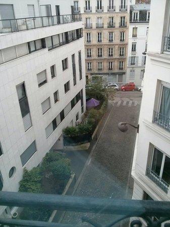 Villa Montparnasse : Vue depuis la chambre