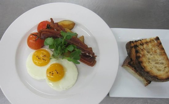 75 Main : Breakfast