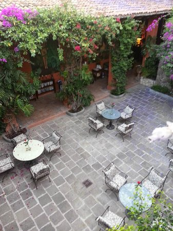 Casa Schuck Boutique Hotel: patio
