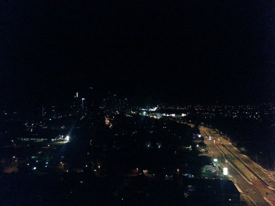 Crowne Plaza Surfers Paradise: view night