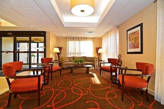 Holiday Inn Express Stone Mountain: Hotel Lobby