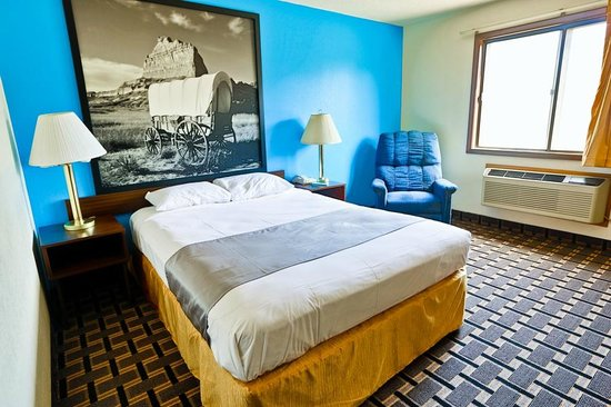 Super 8 Lincoln West : Queen Bed