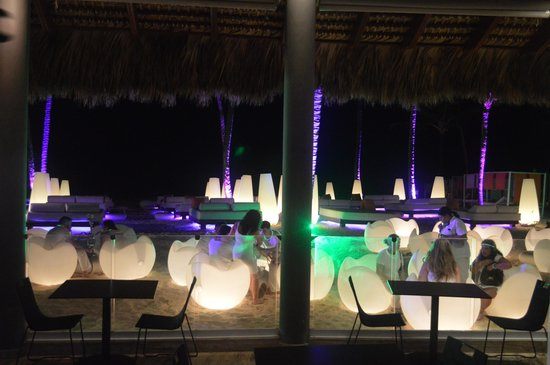 Paradisus Punta Cana: One day at night in front of the Gaby bar