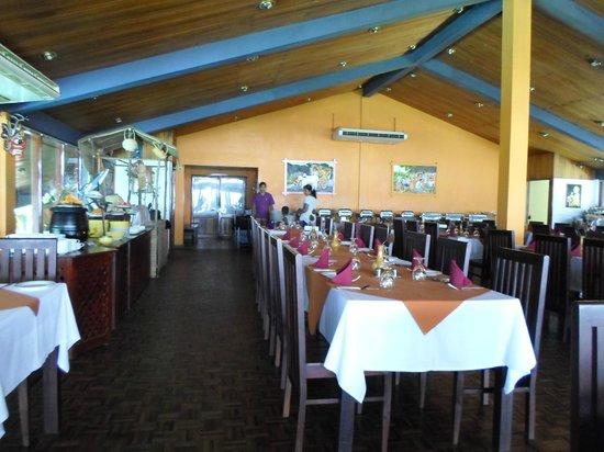 Giritale Hotel: resturant