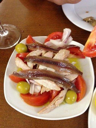 Pulperia A Gudina: Ensalada mixta 6.3€