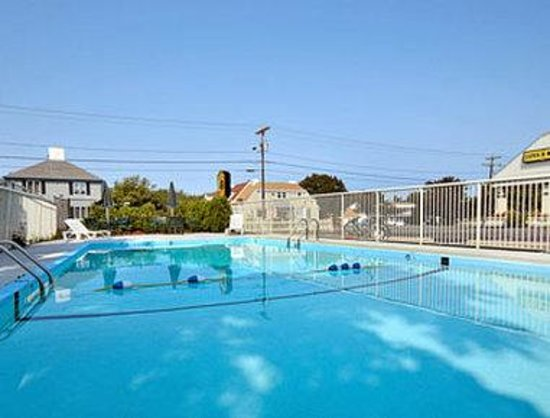 Super 8 W Yarmouth Hyannis/Cape Cod: Pool