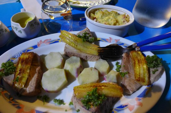 Bora Bora Fishing Paradise Lodge : Dinner