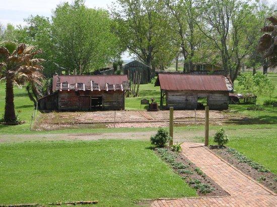 Laura Plantation: Louisiana's Creole Heritage Site: Former kitchen on plantation