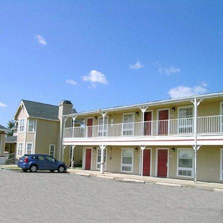 Photo of Victorian Inn & Suites Midland