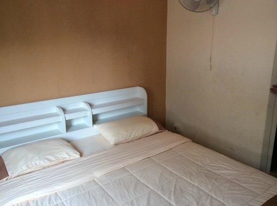 Marina Inn Pattaya: Zimmer 2 Etage mit Balkon