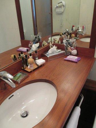 Hotel George Sand: bagno camera 501