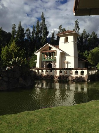 Aranwa Sacred Valley Hotel & Wellness: Church at the hotel