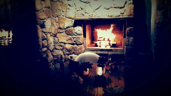 KolKol Mountain Lodge: fireplace at sugarbush