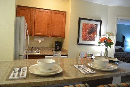 Staybridge Suites Peoria Downtown: One Bedroom Suite Kitchen
