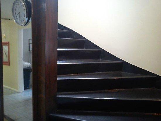 Hotel Savoy Othon: escada do hall do elevador