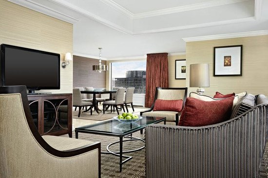 Sheraton Le Centre Montreal Hotel: Vice Presidential Suite