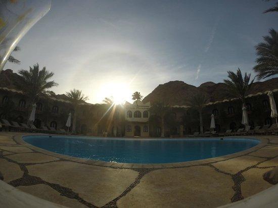Dahab Paradise: Sunset at the pool.