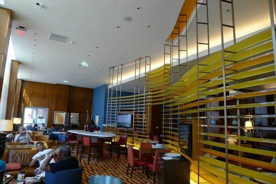 Residence Inn Arlington Capital View: Dinning area