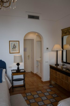 Hotel Buca di Bacco: Entrance to room