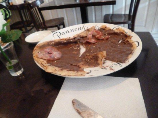Sara's Pancake House: Expensive and average