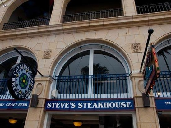 Steve's Steakhouse: Front of resturant