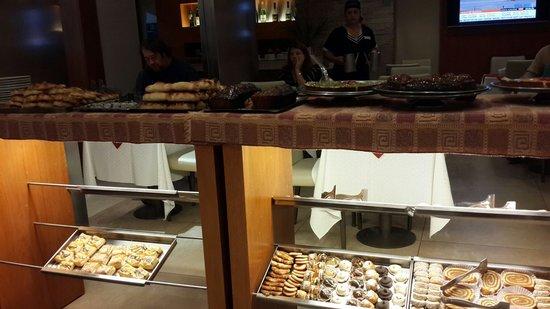 Gran Hotel Skorpios: Pasteleria
