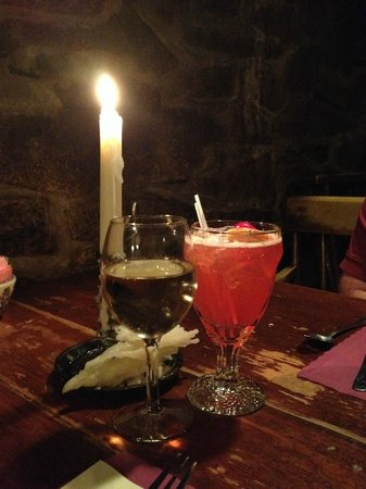 Dobbin House Tavern: Drinks by Candlelight