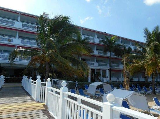 Royal Decameron Montego Beach: View of beach Entrance