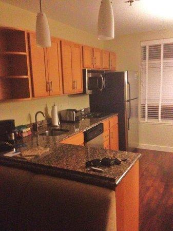 HYATT house Chicago/Naperville/Warrenville: kitchen