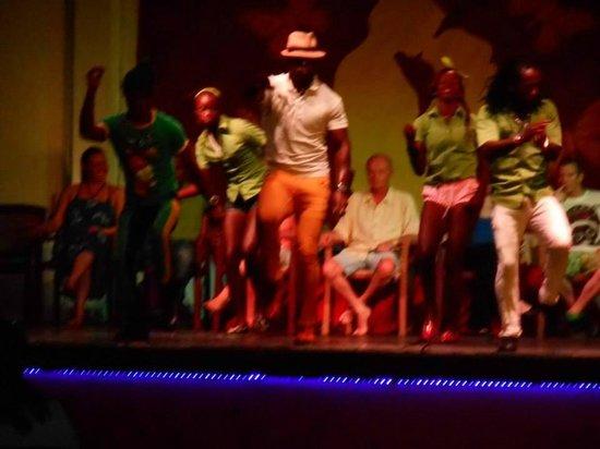 Royal Decameron Montego Beach: Fun Crew in action