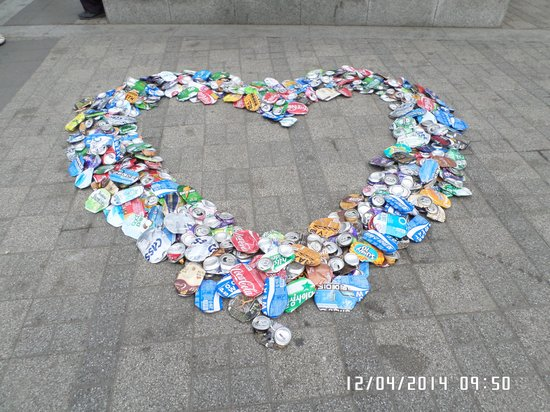 Parque Namsan: One of the many formations by the cleaning workers using discarded flattened drink cans!