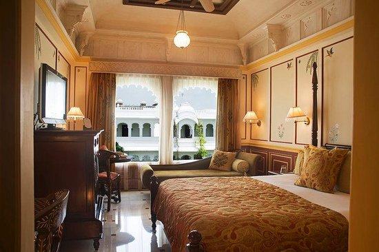 Taj Lake Palace Udaipur: Luxury Room Garden Non Lake View Double Bed Palace