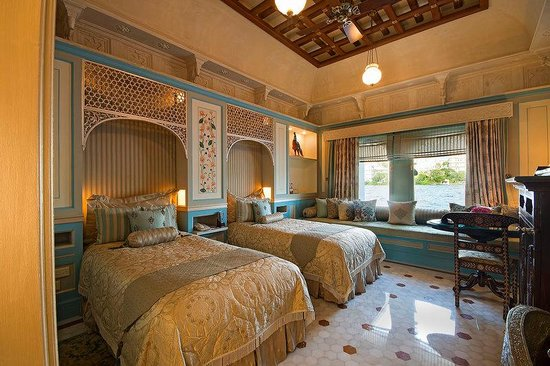 Taj Lake Palace Udaipur: Luxury Room Lake View Twin Bed Palace Butler Servi