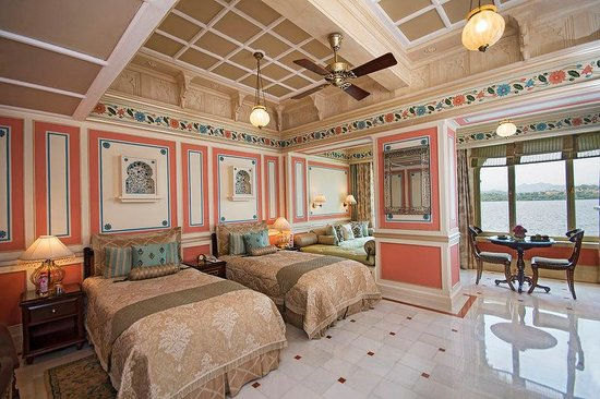 Taj Lake Palace Udaipur: Palace Room Lake View Twin Bed Palace Butler Servi