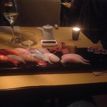 Basara Milano - Sushi Pasticceria : Sushi misto (nigiri + maki) + 2 nihiri ricciola