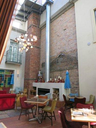 Hotel DeBrett : Dining/lounge area