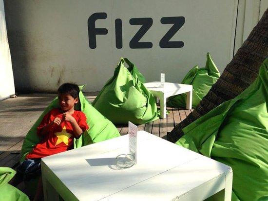 FIZZ beachlounge: Beanbags are so comfortable!