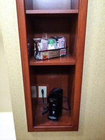Hampton Inn & Suites Richmond: Coffee & Coffeemaker