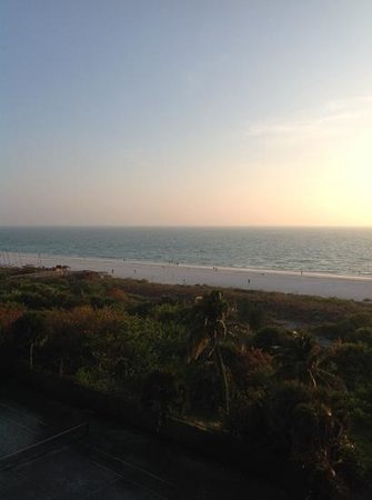 Hilton Marco Island Beach Resort : view of from the balcony