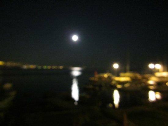 Hotel Opatija: 月明かり