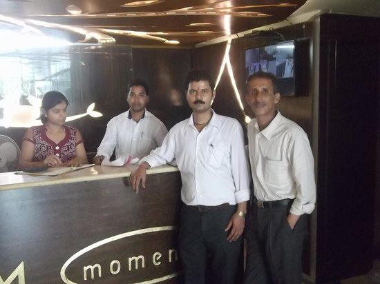 Hotel Moments: ME& THE VERY BEST FRIENDS (THE HOTEL STAFF