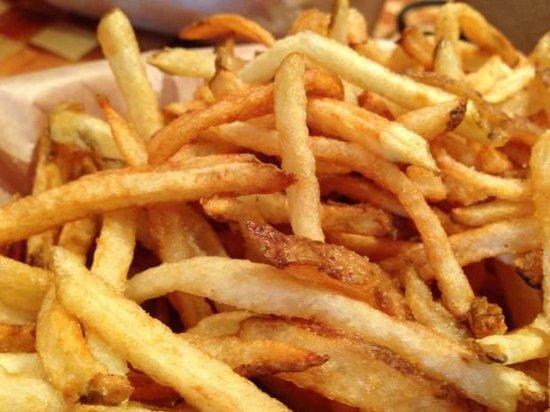 Kua Aina Sandwich: Shoestring Fries