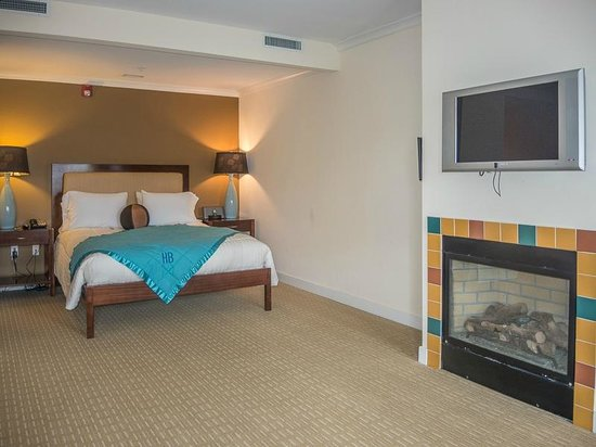 Hotel Blue: Bed area
